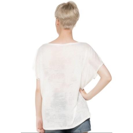 BLUSA CAPITOLLIUM AMPLA ESTAMPA PENAS - OFF WHITE